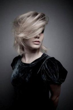 , highlights, balayage, babylights, waxx kappers beste kapper in Apeldoorn, Arnhem en Amsterdam, haar verven, haar kleuren, blond, blonde, haartrends 2018, hairtrends, best hairsalon in Amsterdam, waxx kappers amsterdam, waxx kappers arnhem, waxx kappers apeldoorn. Hair color, haircolour, best colortechnician, best hairdresser, hair color trend Pony – coupes – knippen Gezichtvorm in balans, perfecte coupe, beste haarstylist kapper, pony bangs, brede smalle ponny, goed haar knippen, great haircut, balanced faceshape best hairsalon in Amsterdam, waxx kappers amsterdam, waxx kappers arnhem, waxx kappers apeldoorn best hairdresser haartrends hair trends