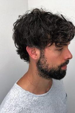 Mannen knippen , men's haircuts, Baard, beard, moustache, snor, barber, barbering, opscheren , pompadour, klassieke coupes, trendy coupes, razor cutting, haar trends mannen, men's hair trend, classic look, signature look, brit pop, scheren, herenkapper, men's hairstylist, best barber, best men's stylist, beste herenkapper, beste barber