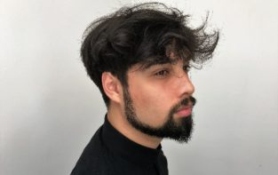 Mannen knippen , men's haircuts, Baard, beard, moustache, snor, barber, barbering, opscheren , pompadour, klassieke coupes, trendy coupes, razor cutting, haar trends mannen, men's hair trend, classic look, signature look, brit pop, scheren, herenkapper, men's hairstylist, best barber, best men's stylist, beste herenkapper, beste barber