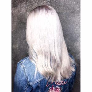 Sandy blonde, highlights, balayage, babylights, waxx kappers beste kapper in Apeldoorn, Arnhem en Amsterdam, haar verven, haar kleuren, blond, blonde, haartrends 2018, hairtrends, best hairsalon in Amsterdam, waxx kappers amsterdam, waxx kappers arnhem, waxx kappers apeldoorn. Hair color, haircolour, best colortechnician, best hairdresser, hair color trend